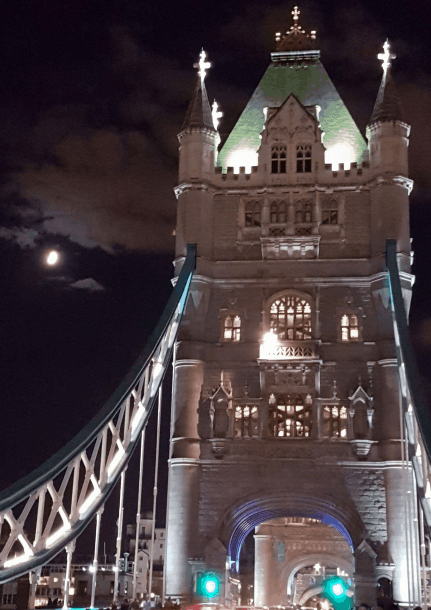 Corporate caricatures atTower Bridge Walkways – Luisa Calvo Wicked Caricatures